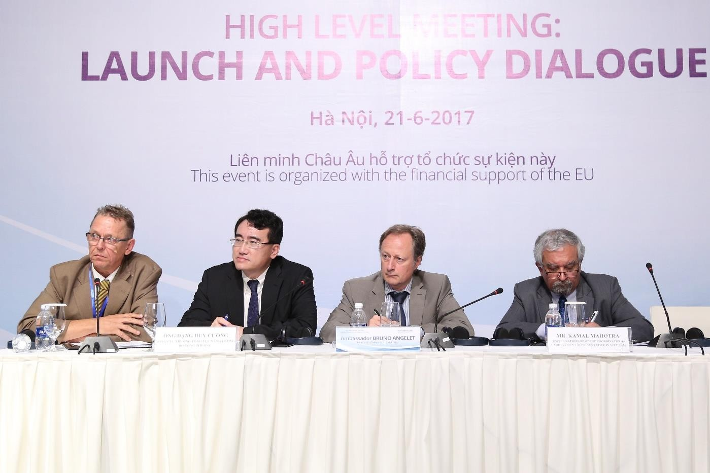 Panel moderator (from left to right) Koos Neefjes, Dang Huy Cuong (former General Director, General Directorate of Energy), Bruno Angelet (EU Ambassador) and Kamal Malhotra (UN Resident Coordinator)
